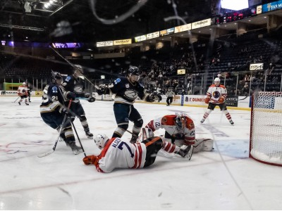 Dominic Basse covers the puck up in a 3-2 OT loss to the Sioux Falls Stampede.